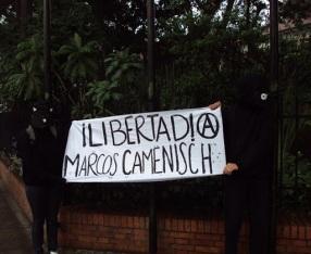 [FOTOS] MITIN SOLIDARIO POR LA LIBERTAD INMEDIATA DEL COMPAÑERO ANARQUISTA MARCOS CAMENISCH! EN BOGOTA COLOMBIA