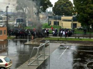 Barricada a las afueras del Liceo A-21 Talcahuano