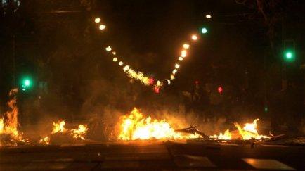 Velatón y barricadas en San Pablo con Radal, en Quinta Normal.